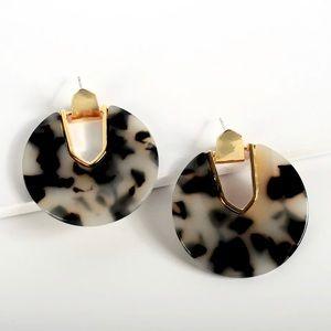 2/$35 🖤 ANTHRO Tortoise Resin Hoop Earrings